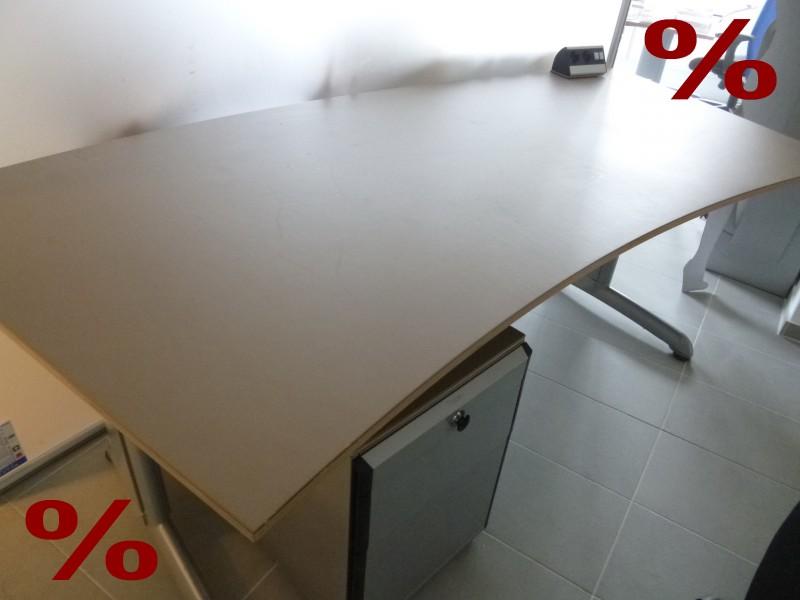 Gispen schreibtisch b rotisch tisch h henverstellbar for Schreibtisch vor heizung